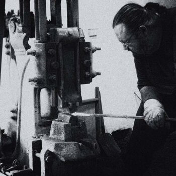 Vylaďovanie noža v dielni Majstra Laskyho | Pteryx knife